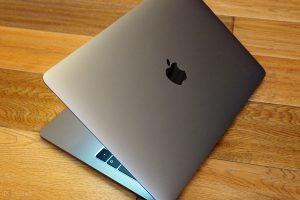 Apple Plans to Move Macs to ARM